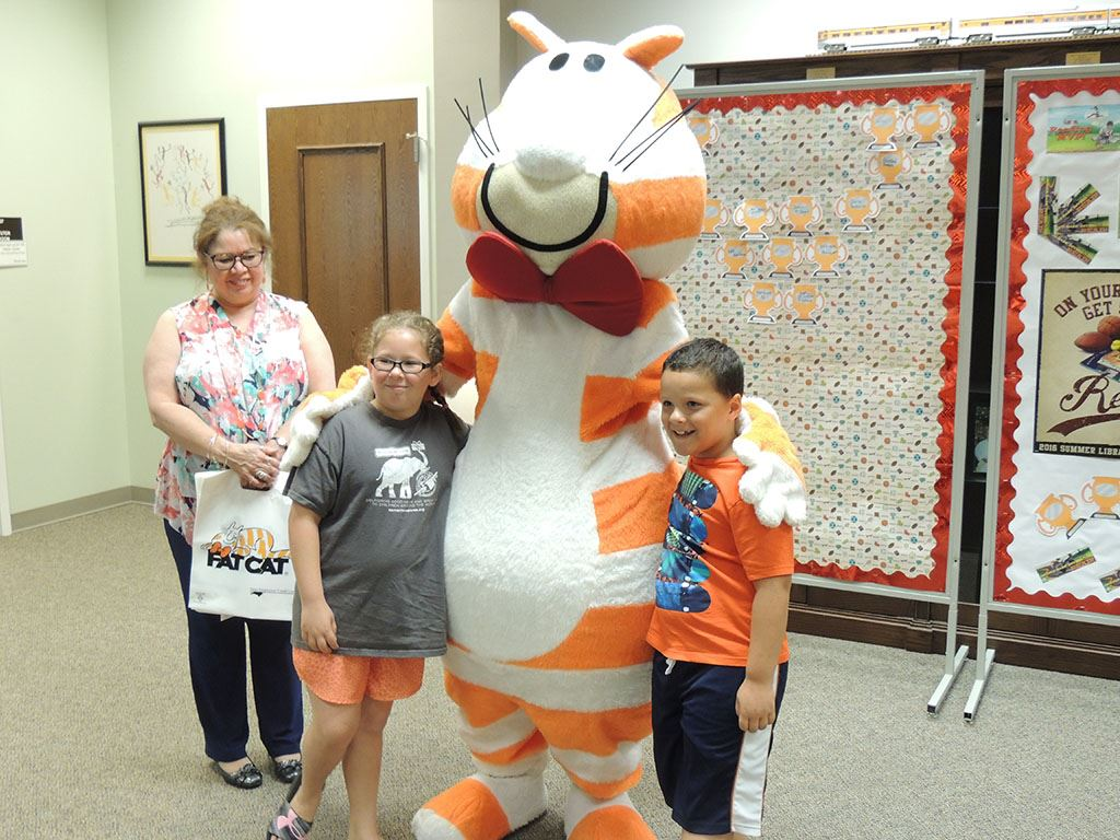 Fat Cat with children