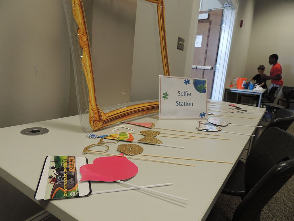 Selfie station table