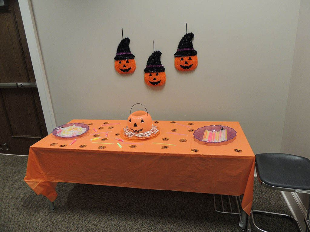 Table decorated with pumpkins